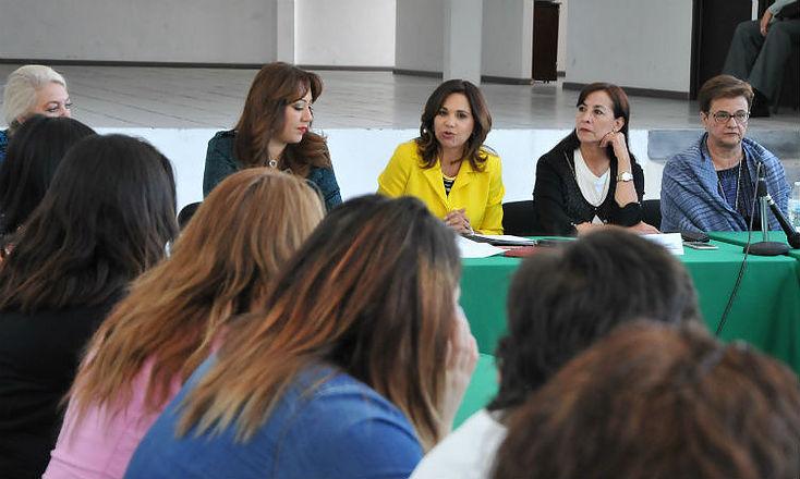 Inaugura Blanca Alcalá taller de capacitación para mujeres