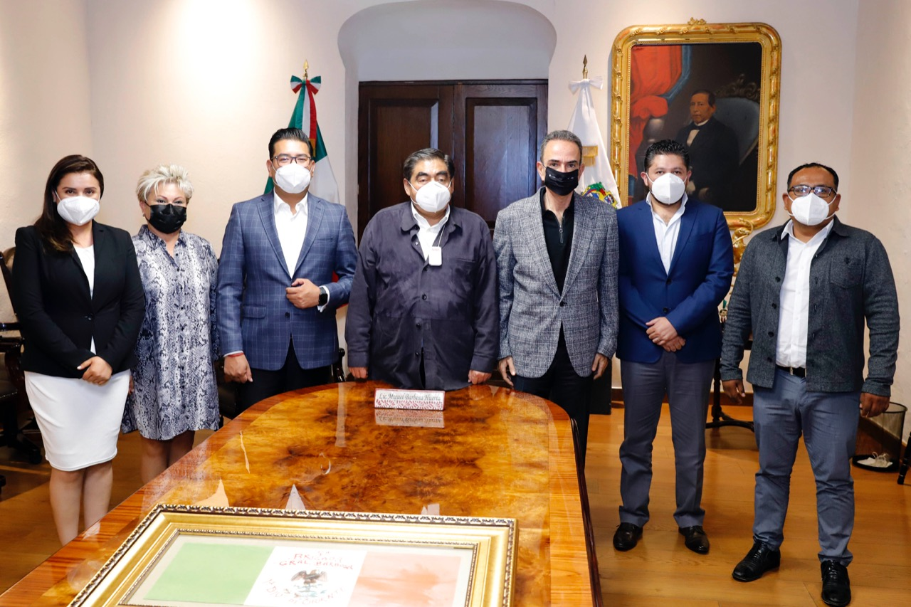 Diputados electos del PRI acuerdan con Barbosa trabajo a favor de Puebla
